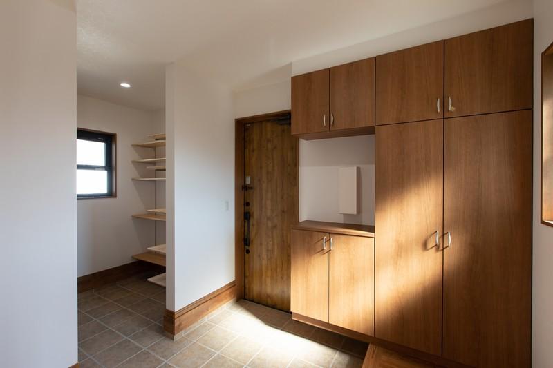 エネファームのある暮らしやすい平屋住宅 玄関