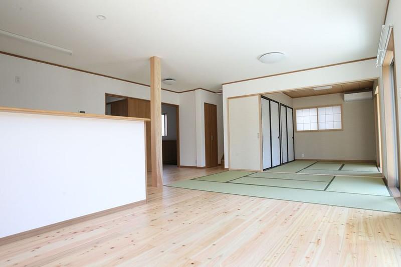 大空間リビングの和洋折衷な家 概要