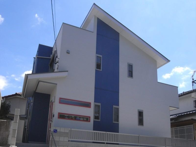 白と青が創り出す個性いっぱいの家 概要