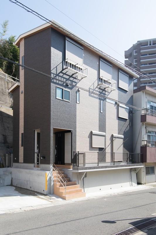 3階建ての二世帯住宅 概要