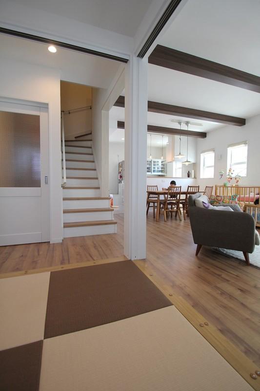南欧風デザインの家 リビング