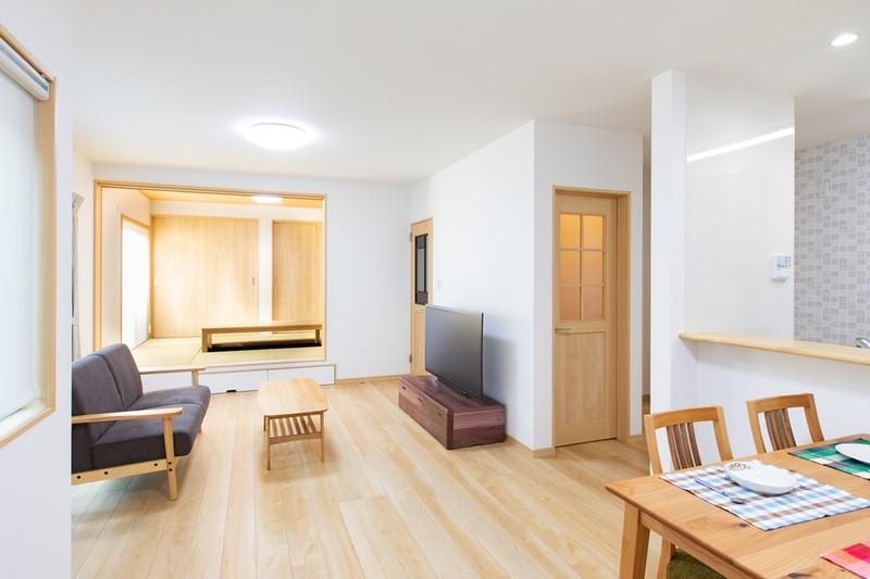 家づくりの人気アイテムが満載のモデル住宅 リビング